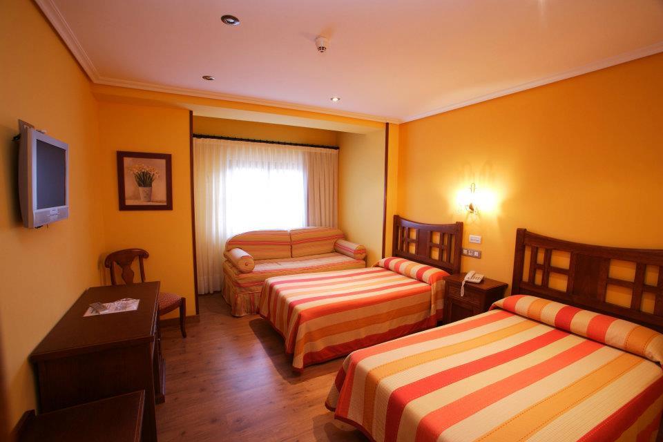 HOTEL CON ENCANTO EN SANTILLANA DE MAR SAN MARCOS HABITACION