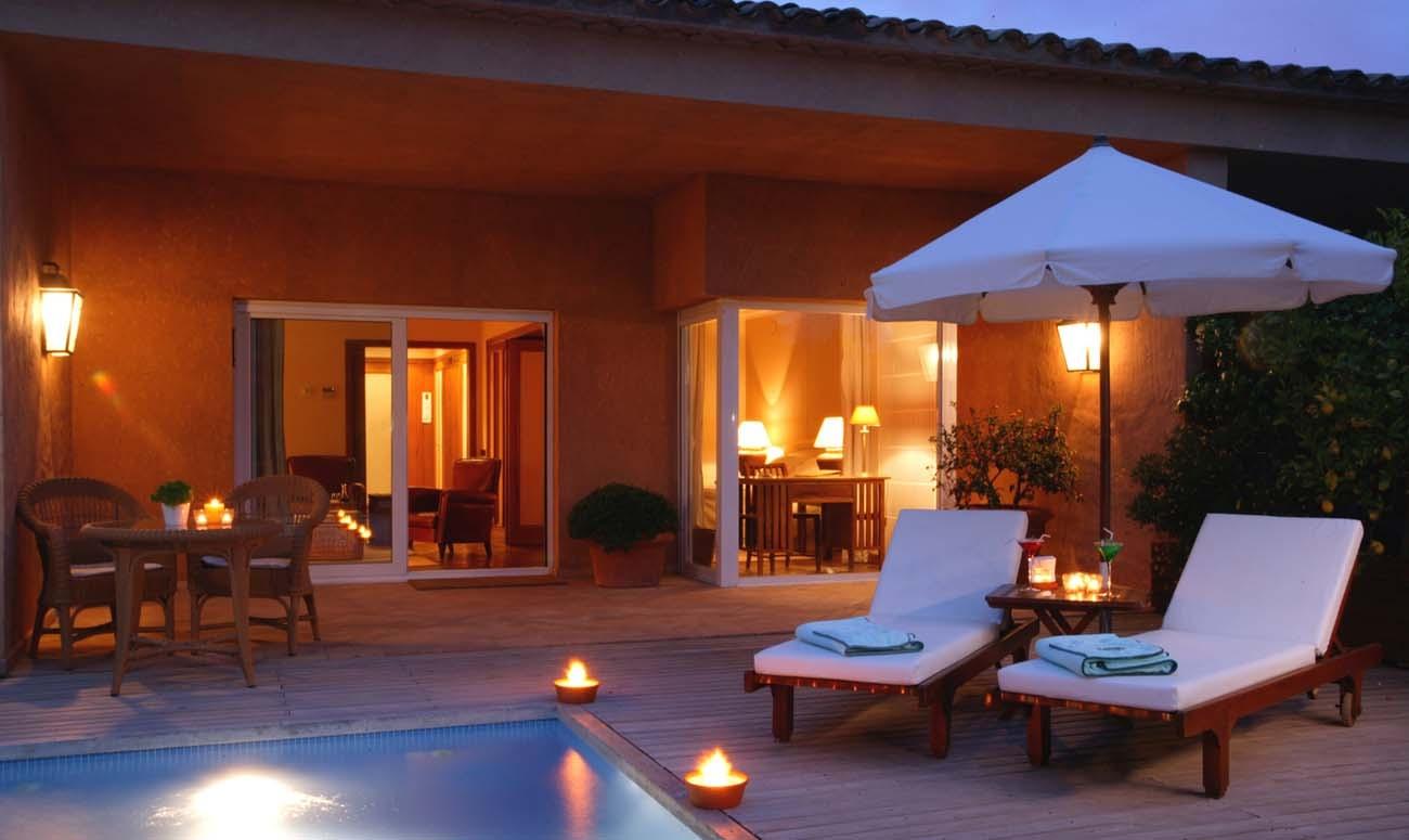 hotel con encanto con piscina en habitacion en gerona