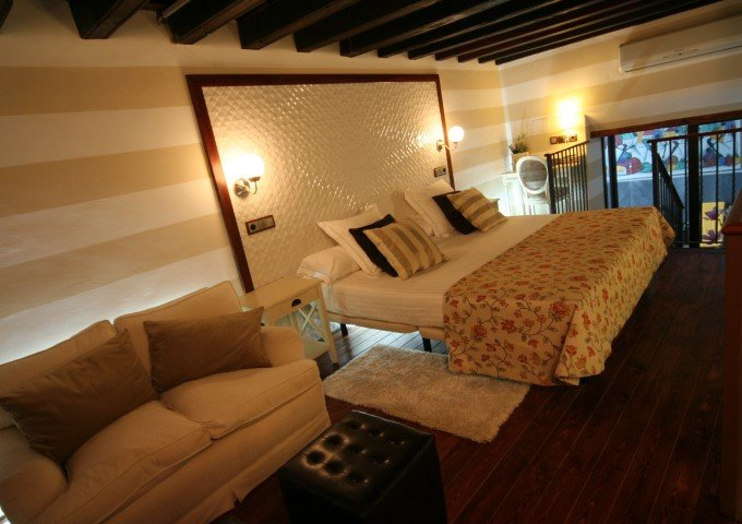 hotel con encanto con piscina en habitacion palacio san bartolome