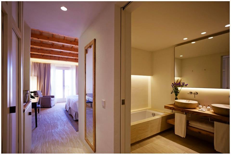 hotel con encanto con piscina en habitacion torralbenc