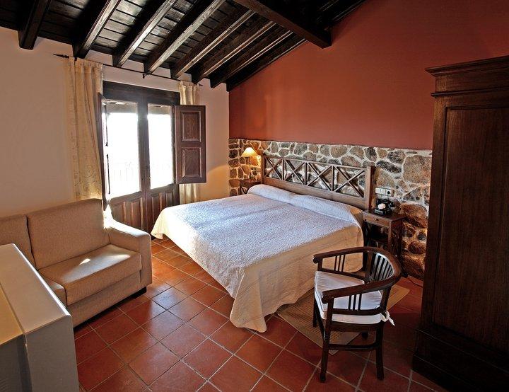 villa mogarraz habitacion