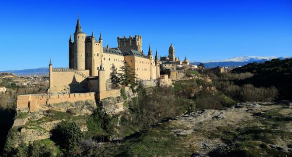 El Alcazar de Segovia y hoteles con encanto en Segovia
