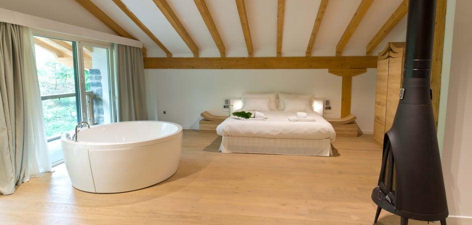 hoteles con encanto en la montaña arantza hotelea habitacion