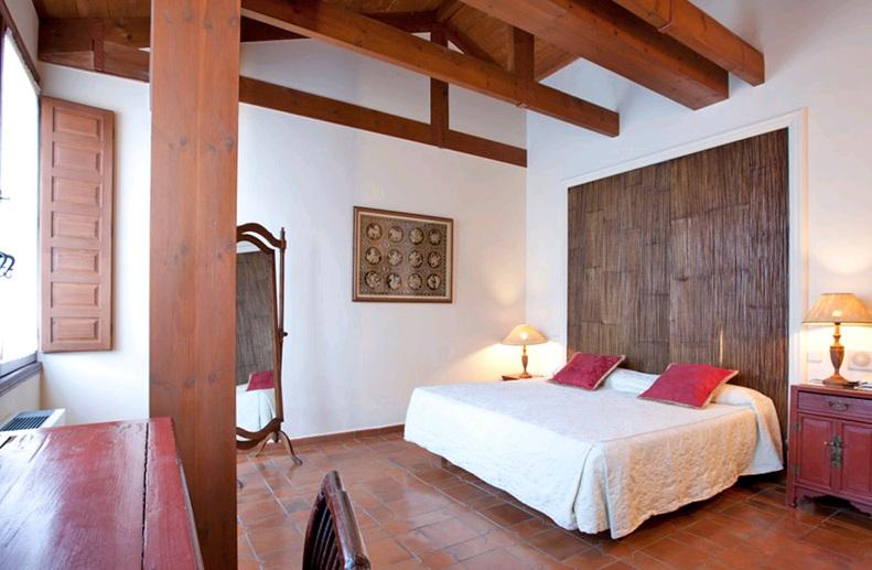 HOTEL CON ENCANTO EN SEGOVIA PALACIO AYALA BERGANZA HABITACION