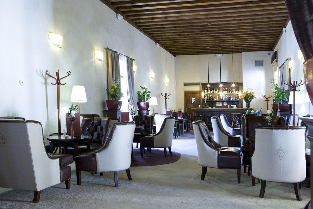 HOTEL CON ENCANTO EN SEGOVIA SAN ANTONIO EL REAL CAFETERIA