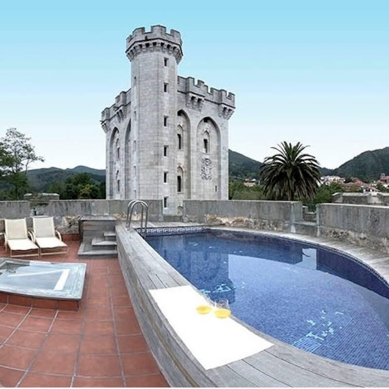 Hotel con encanto castillo de arteaga piscina
