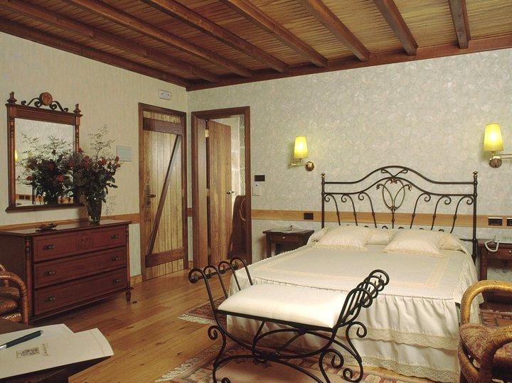 hotel con encanto en padron casa antiga do monte habitacion