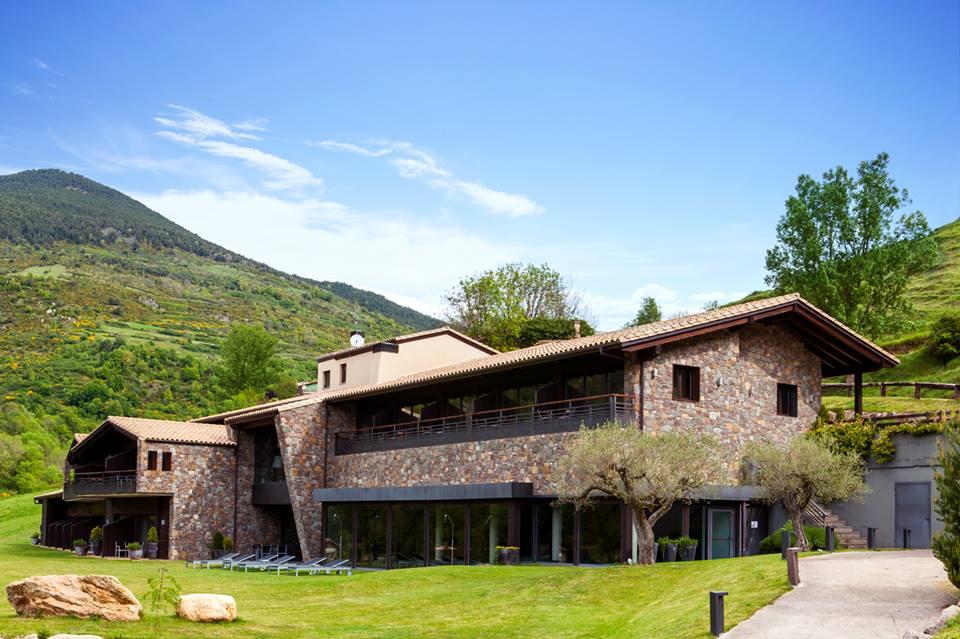 hotel con encanto en la montaña resguard dels vents