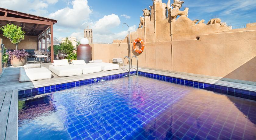escapada deluxe en barcelona do piscina