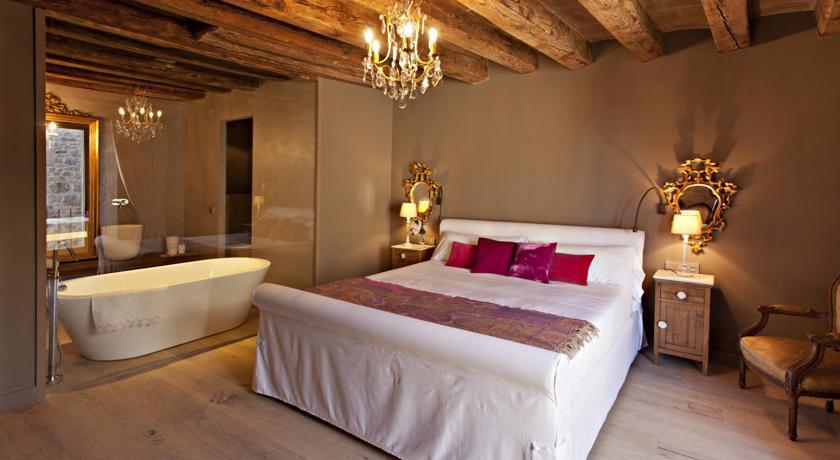 hoteles con bañeras romanticas la vella farga