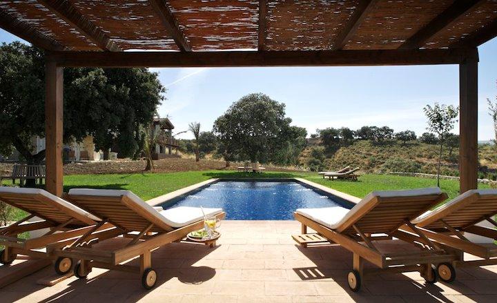 la fuente de la higuera piscina hotel con encanto en ronda