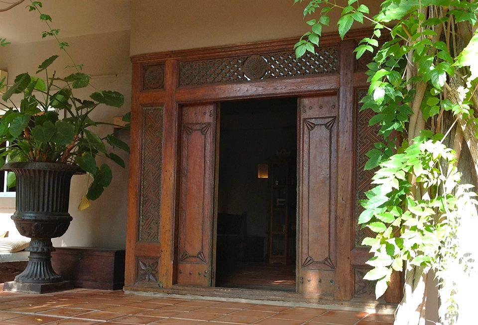 puerta hotel tres mares tarifa