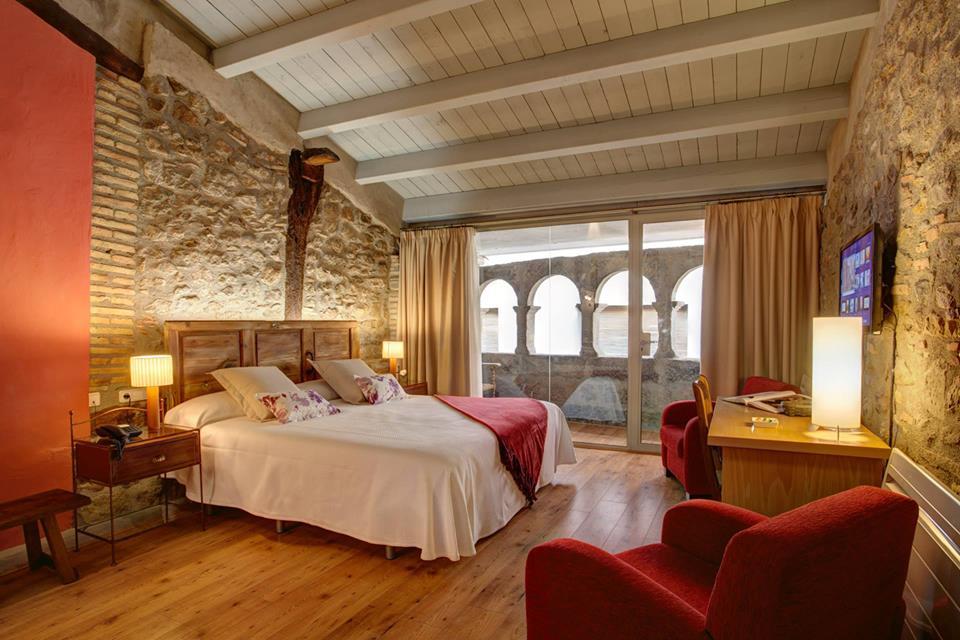 hotel la freixeria ca n'escandell Habitaciones románticas con chimenea