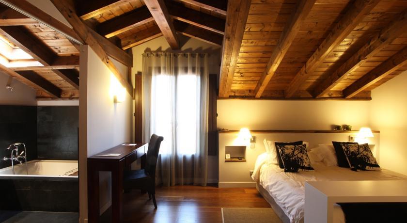 hotel rural con encanto iribarnia habitacion