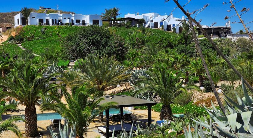 Top 10 hoteles rurales con encanto que no debes perderte for Hoteles con encanto y piscina