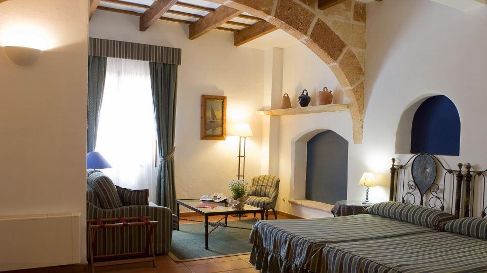 hotel rural con encanto sant ignasi habitacion