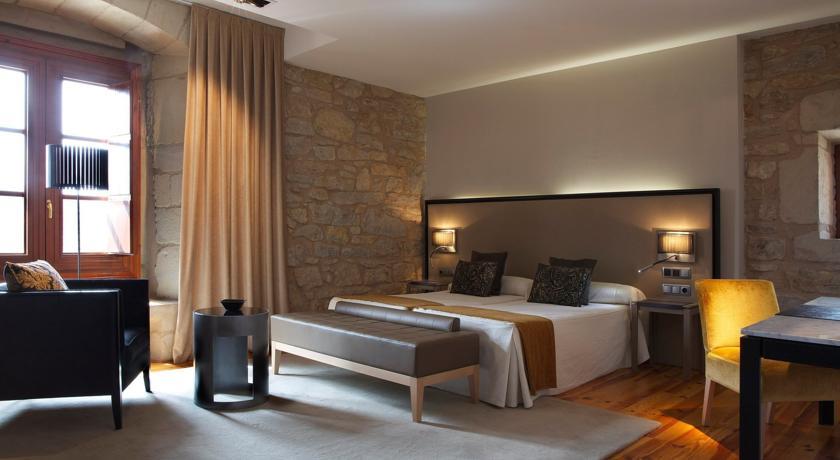 HOTEL CON ENCANTO EN VALDELINARES HOSPEDERIA PALACIO DE ALLEPUZ HABITACION