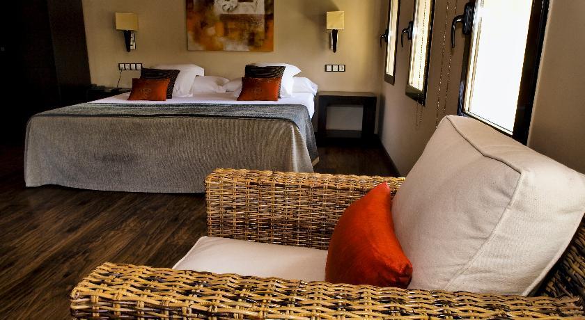 HOTEL MOLI BLANC HABITACIO
