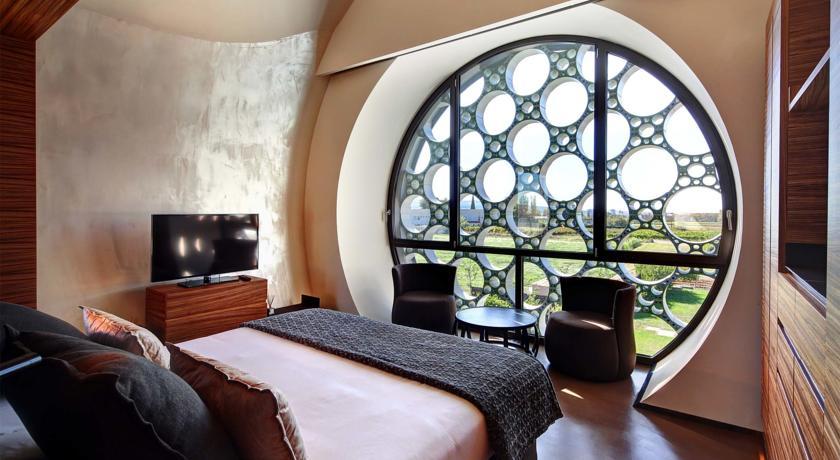 hotel con encanto cava mastinell habitacion