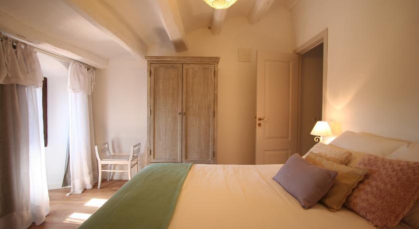 hoteles con encanto cava wine and cooking penedes habitacion