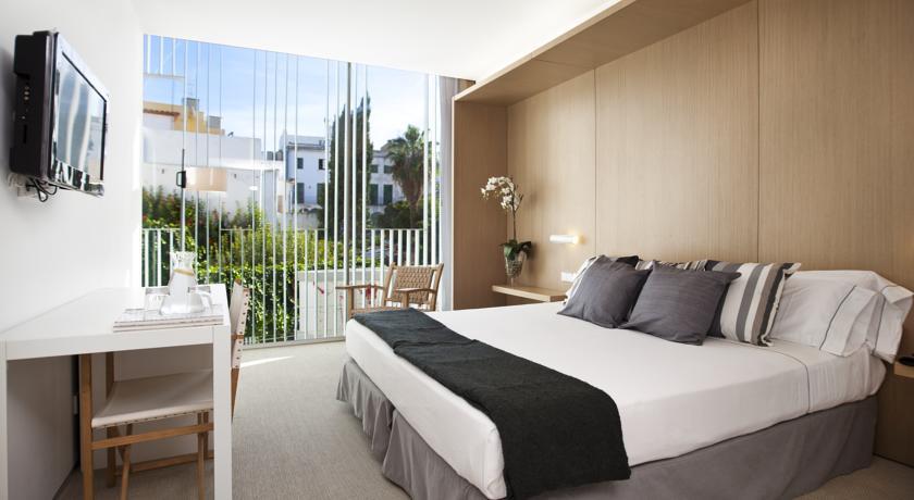 hotel con encanto en sitges atlenti habitacion