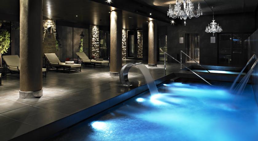 Top 5 hoteles deluxe para jugar al golf for Hoteles en navarra con piscina