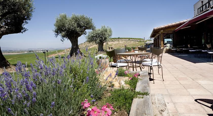 Pago de Cirsus hoteles con jardín