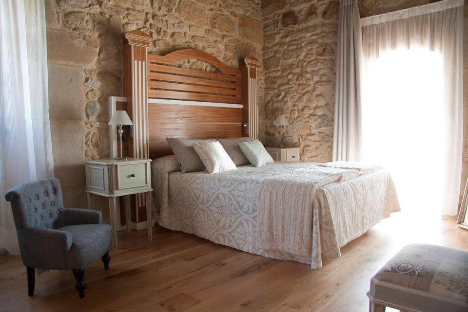 hoteles con encanto cerca de galizano spa la torre de los isla habitacion