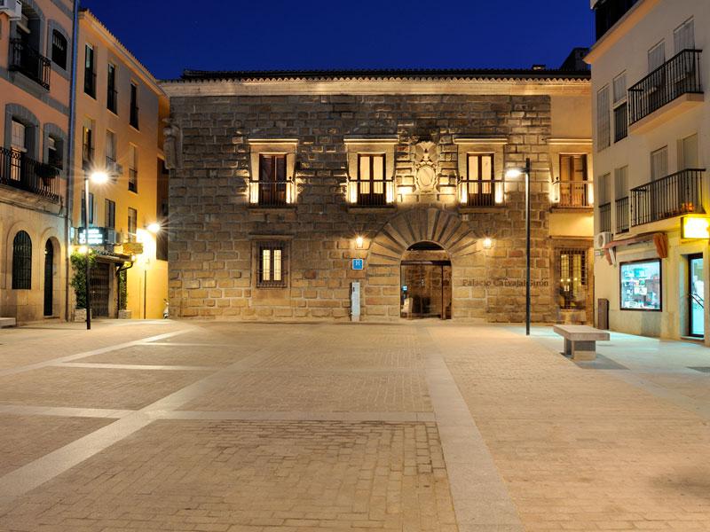 palacio carvajal girón exterior