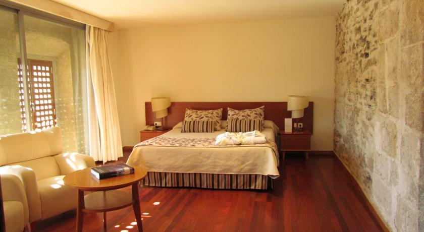 hospederia puente hotel con encanto en caceres habitacion