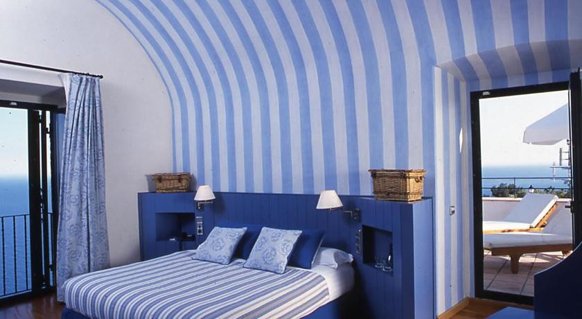 hotel con encanto intimo el far habitacion