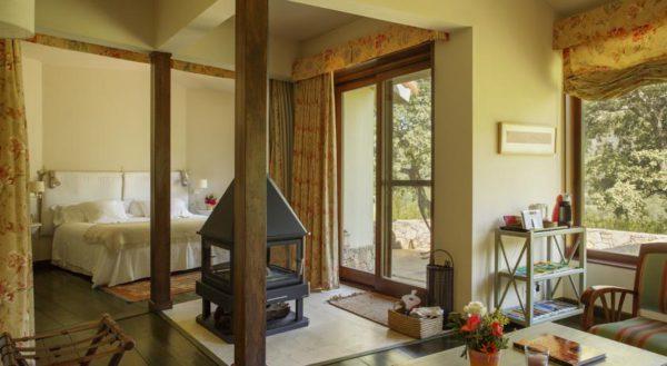 suites-romanticas-con-chimenea-y-jacuzzi