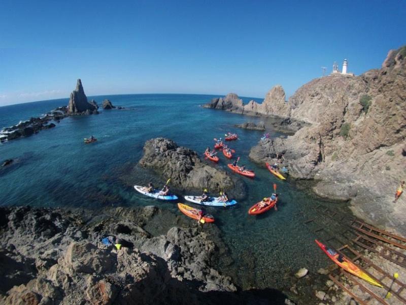 escapada con niños cabo de gata kayak