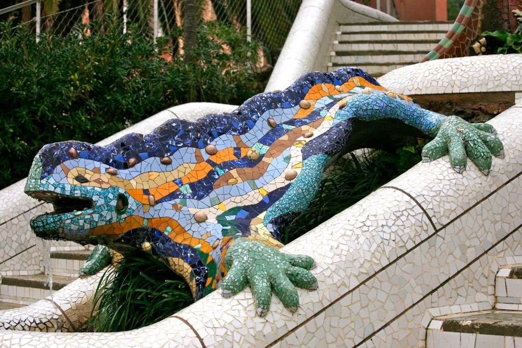 dragon parque guell ruta barcelona