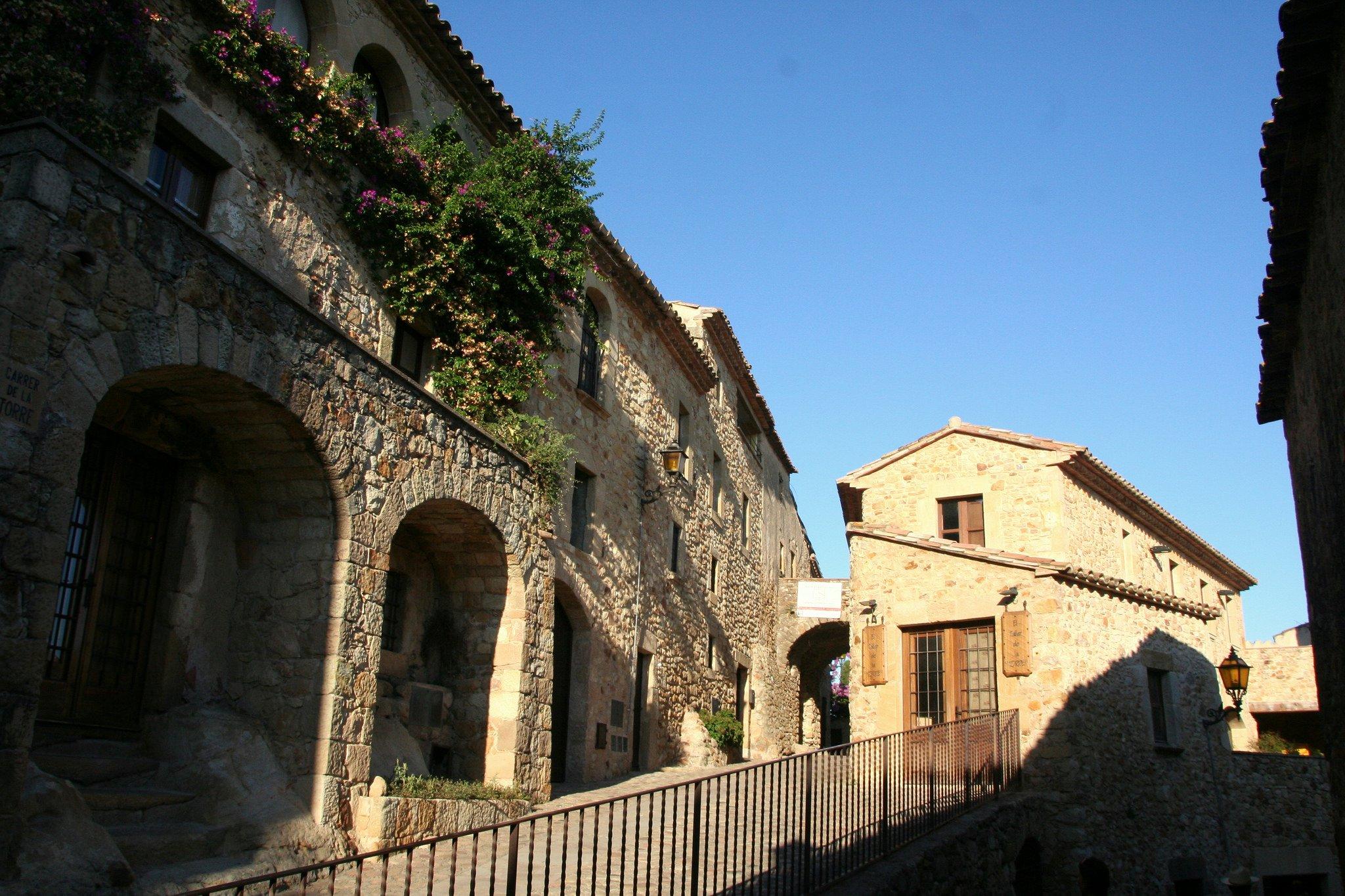 pals ruta pueblos medievales emporda