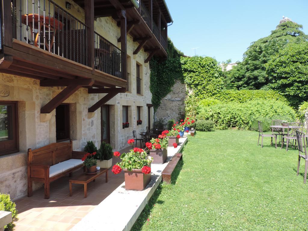 Pedraza se llena de velas cada mes de julio for Hoteles en la puerta