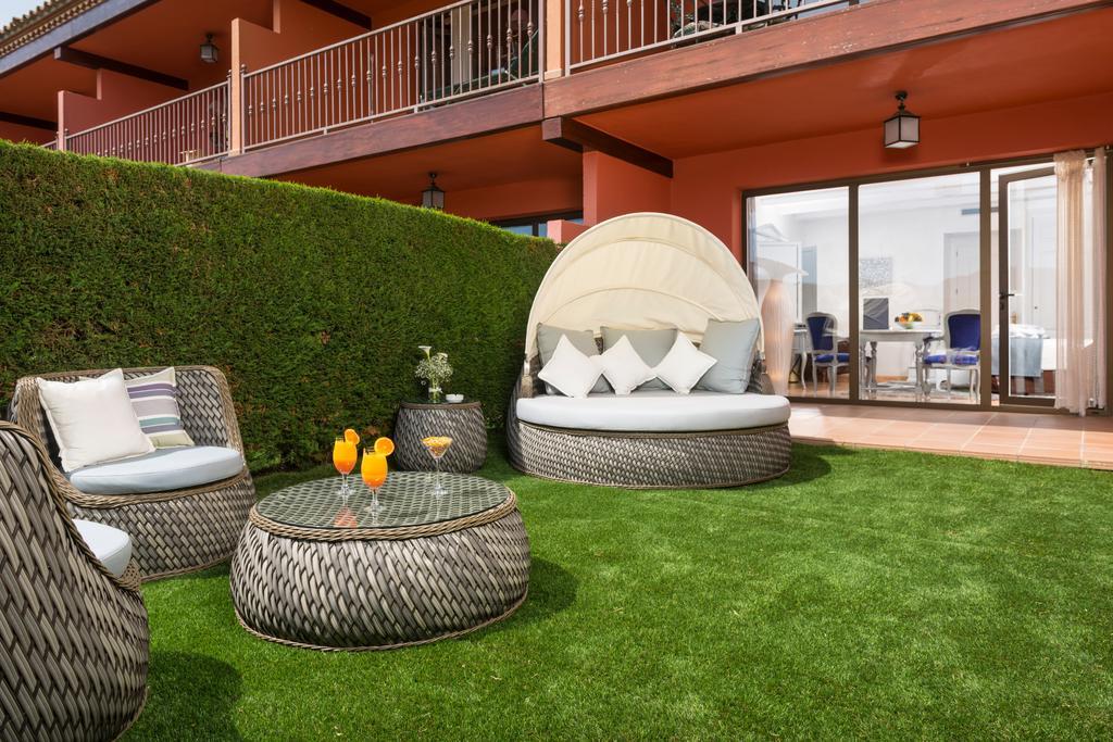 habitaciones con jardín mas tapiolas exterior