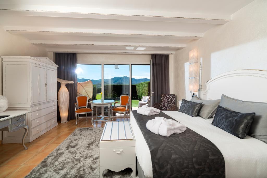 Vive el verano hoteles con habitaciones con jard n for Hoteles con habitaciones familiares