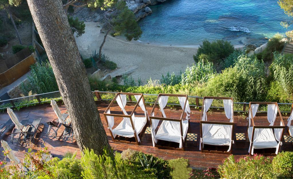 hoteles a pie de playa cala del pi