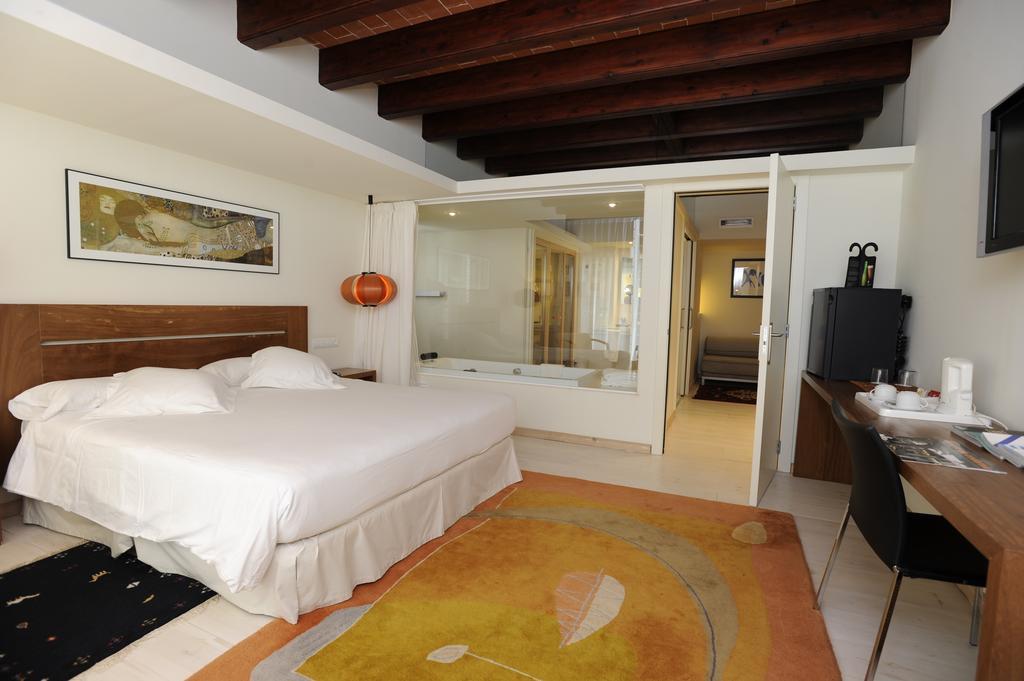 habitaciones romantica invierno tancat room