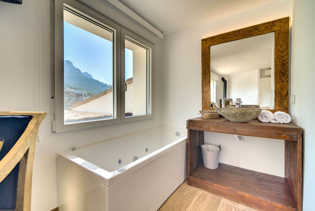 el secret jacuzzi y chimenea baño
